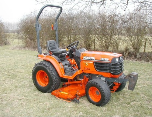 Product picture Kubota B2410HSDB Tractor Illustrated Master Parts List Manual DOWNLOAD