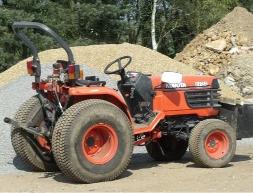 Product picture Kubota B2710HSD Tractor Illustrated Master Parts List Manual DOWNLOAD