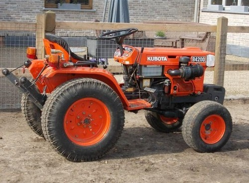 Product picture Kubota B4200D Tractor Illustrated Master Parts List Manual DOWNLOAD
